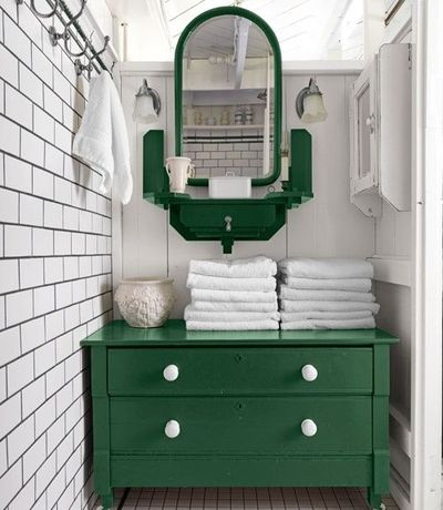 White Tiles And Kelly Green Painted Accents In The Bathroom So Fresh Love