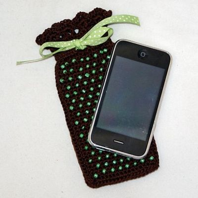 Free Crochet Pattern - Cell Phone Cozy from the Pouches