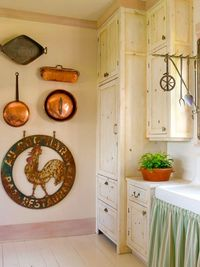 Copper Cookware - like this kitchen