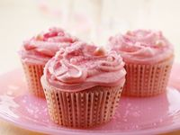 pink champagne cupcakes - so cute for a shower/bach!