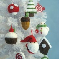 $6.00 knit ornament pattern