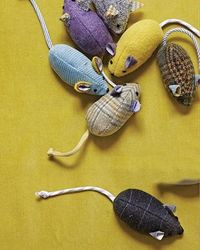 Menswear cat mouse toy (cat mouse? )