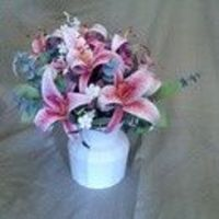 Papercraft Stargazer Lily Bouquet - instructions step to step for making flowers this detailed from paper