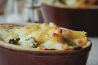 kale and three cheese macaroni cheese | london bakes