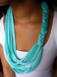 DIY Tshirt Scarf by RTR on Campus #recycled crafts