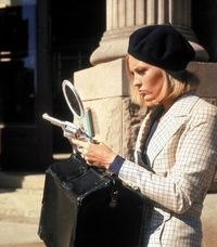 Faye Dunaway on set of Bonnie & Clyde