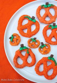 Chocolate Pretzel Pumpkins