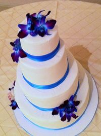 another great blue orchid wedding cake.
