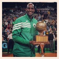 Congrats to Kevin #Garnett, the recipient of this year's Red Auerbach Award, given to a current player or coach that best exemplifies the spirit and meaning of what it is to be a #Celtic. #boston #celtics #bostonceltics #iamaceltic #redauerbach #kg
