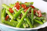 Thai Stir-Fried Asparagus With Lemongrass