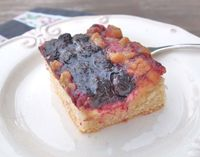 Mixed Berry Cream Cheese Danish Crumb Cake - All of the flavors of a cream cheese danish in a cake! Perfect for brunch.