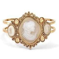 Beautiful Cameo Bracelet