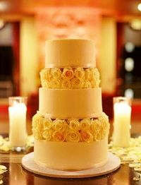 Ivory rose wedding cake, classic, Photo by Union Photography