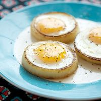 Onion Rings Eggs by Apron Strings Blog
