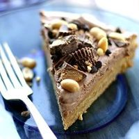 Peanut Butter Cup Cookie Pie