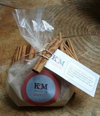 great fall wedding favor! Apple cider!