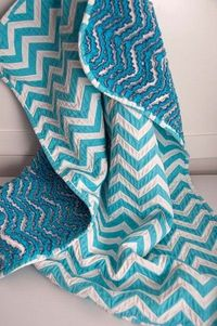 link to a tutorial on how to make this adorable chevron blanket